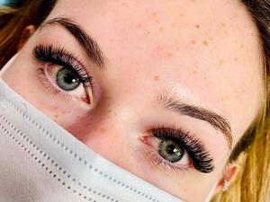 volumne lashes