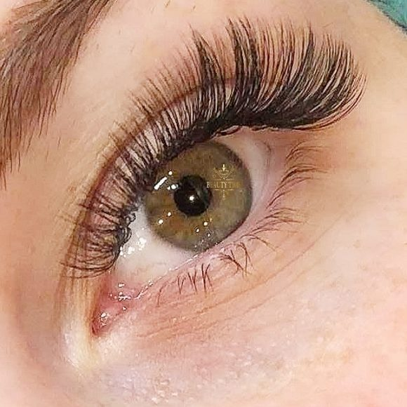 Volume lash extensions Ottawa Beauty Time