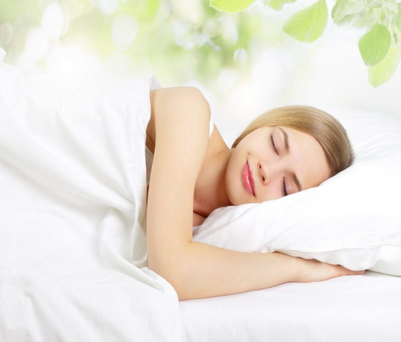 How to sleep with lash extensions